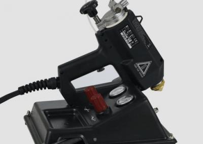 Pneumatisches Schmelzklebstoff-Sprühsystem TR 60 LCD für kontaktfreien Klebstoffauftrag